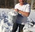 Депутату облдумы пришлось добывать воду из снега
