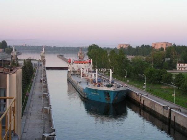 шлюзовой мост, балаково_танкер