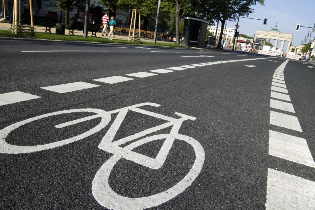 Велопешеходная дорожка на участке от улицы Тоси Потаповой до улицы Пушкина наполовину готова