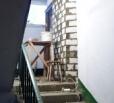 Обустройство кладовых в подъездах многоквартирных домов является нарушением