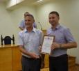 Иван Чепрасов наградил Владимира Попеко за высокий профессионализм