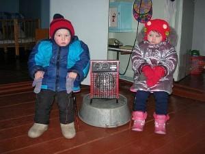 замерзают дети